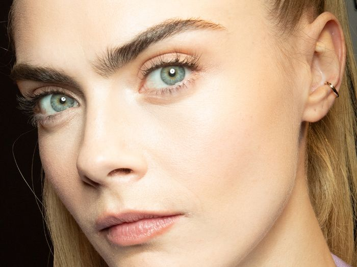 Eyebrow Mapping: The 2-Second Step for Perfectly Groomed Brows