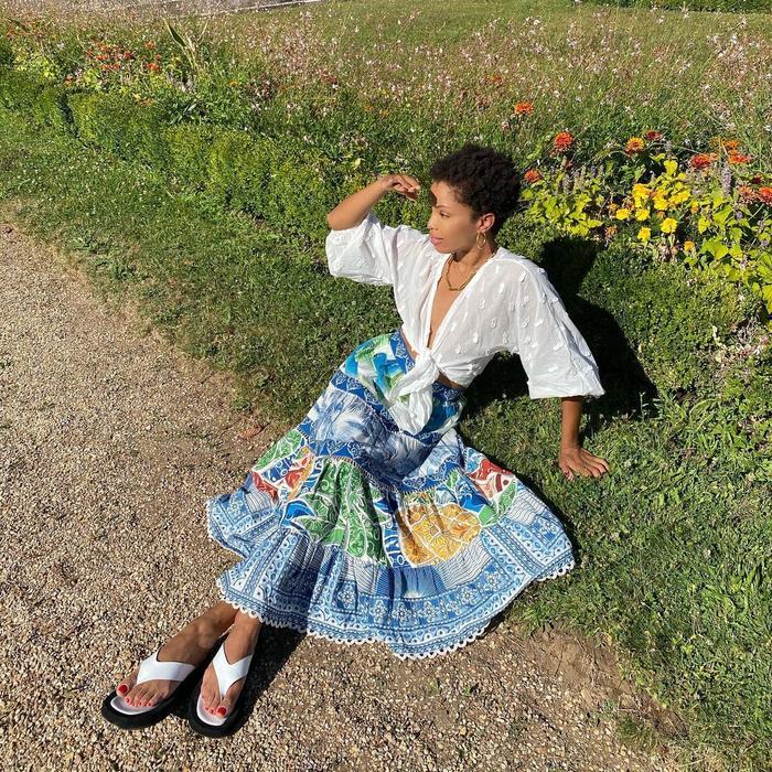 Skirt Trends 2021: @slipintostyle wears a tiered skirt