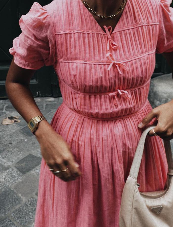 Spring dress trends: pink dress
