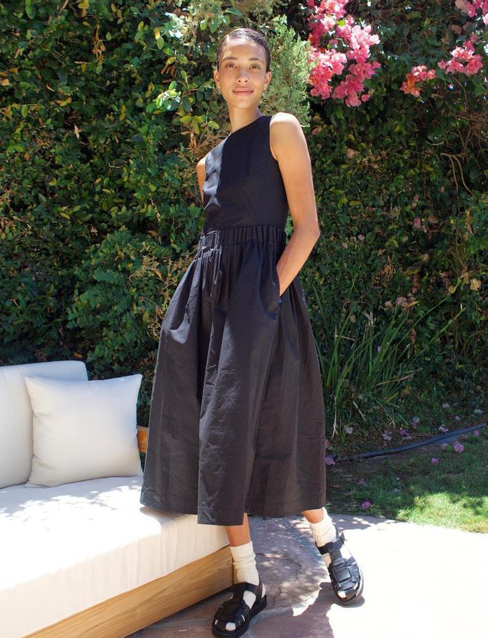 Spring dress trends: black dress