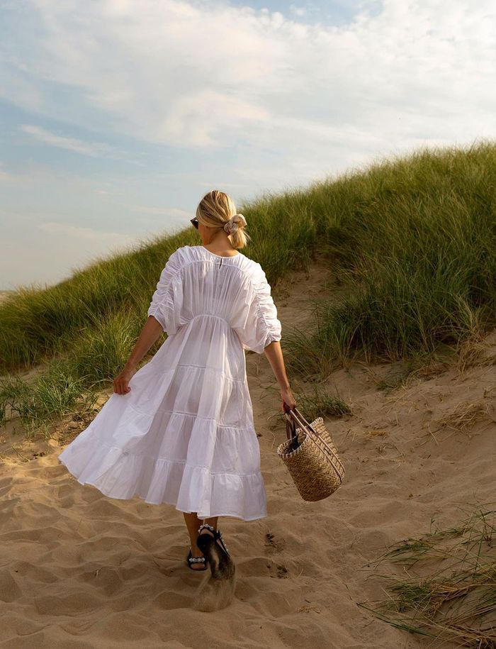 Spring dress trends: white midi dress