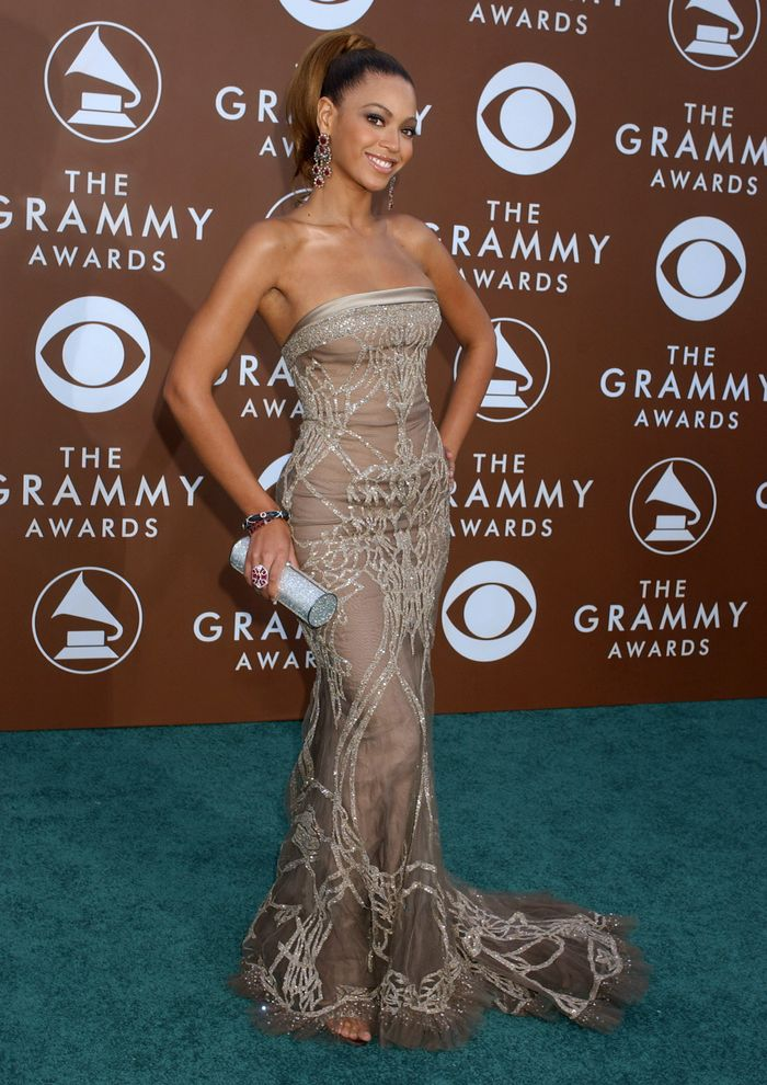 Beyoncé at the Grammys in 2006