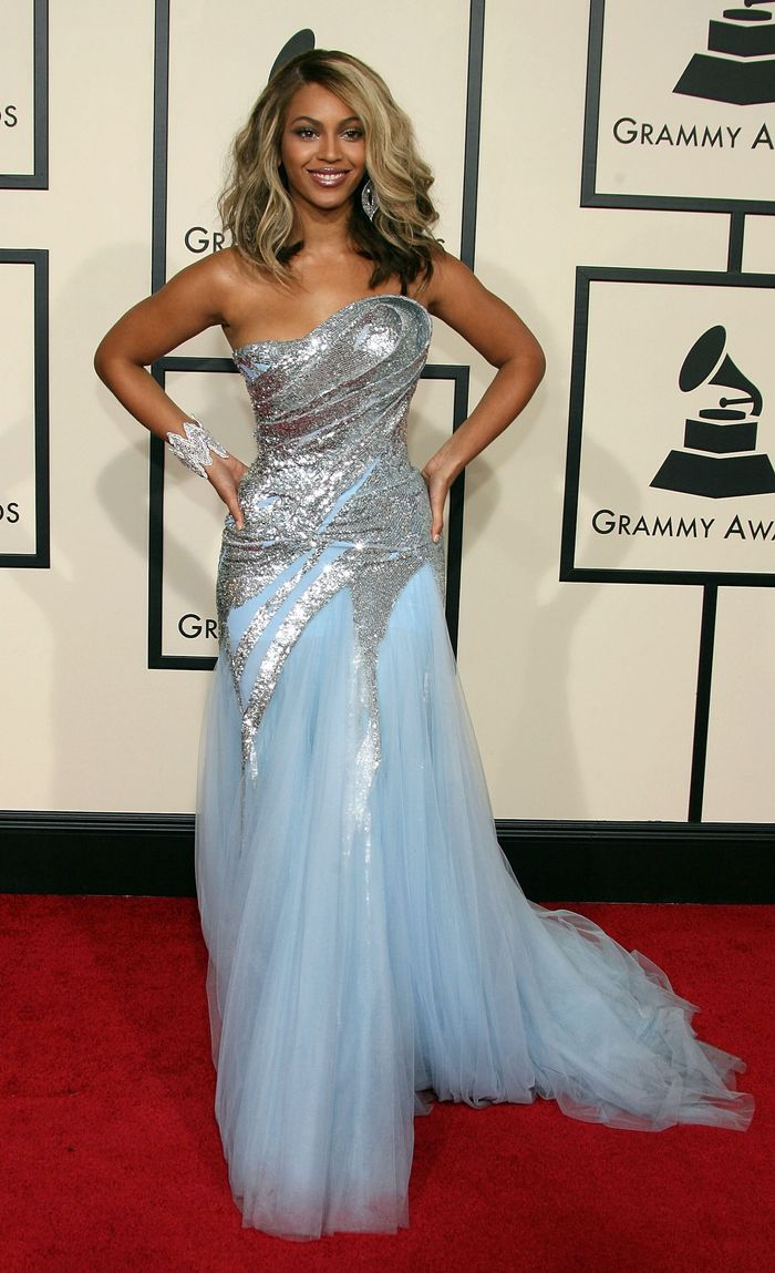 Beyoncé at the Grammys in 2008