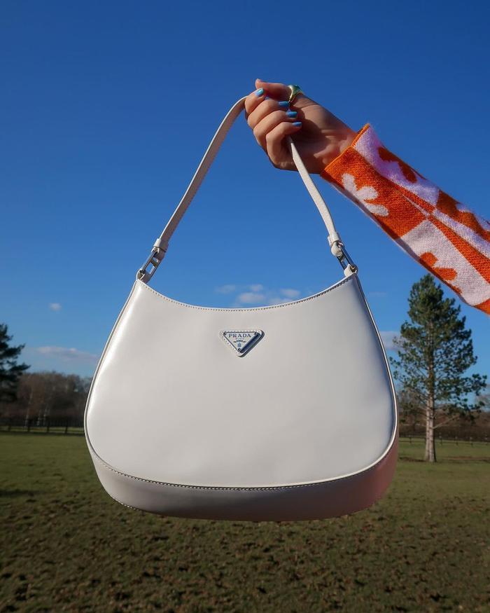 handbag trends 2021: '90s shoulder bag