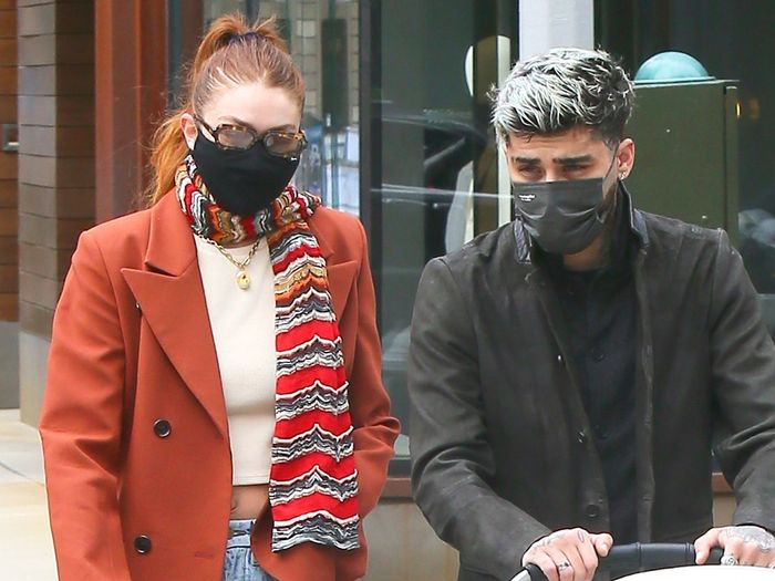 Gigi Hadid Wore This Jeans Outfit Trend on a Walk With Zayn and Baby Khai