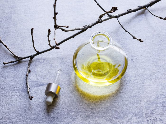 10 Ways Marula Oil Can Save Your Skin