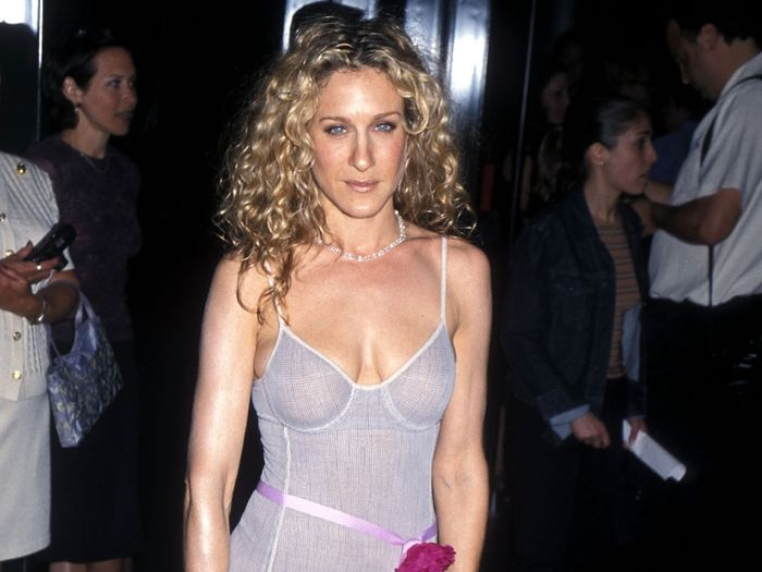 Decoding Y2K Fashion Trends: Here's What Actually Looks Good 20 Years Later
