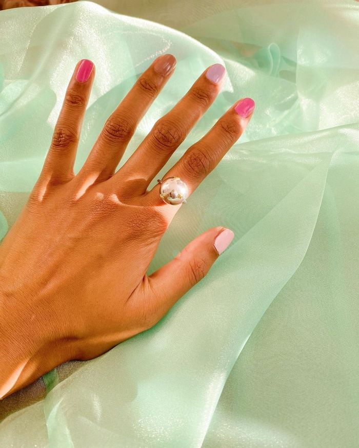 Best Nail Polish Brands: @heartzeena captures her ombré manicure