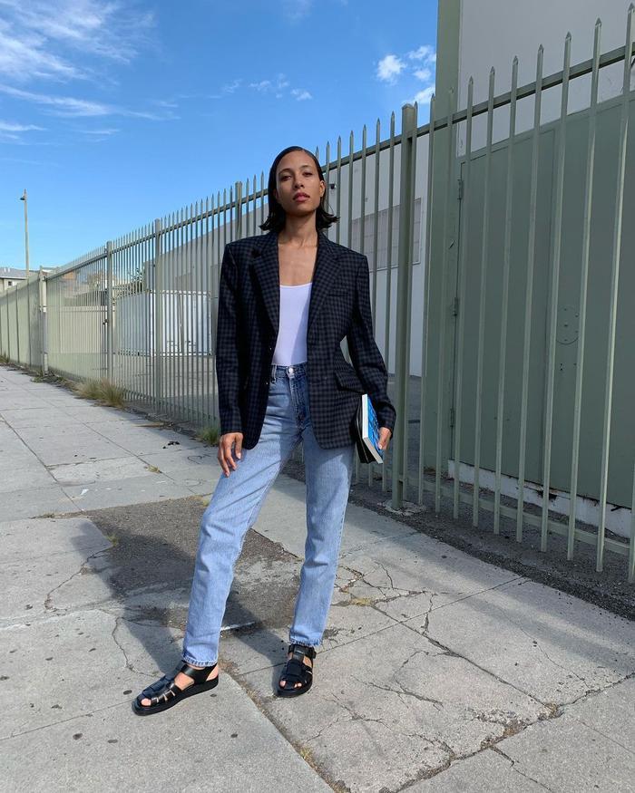 Straight-Leg Jean Outfits: @tylynnnguyen