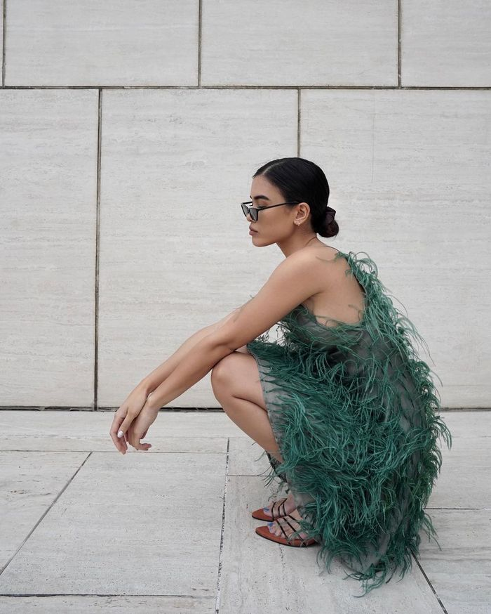 romantic fashion trends: green feather dress