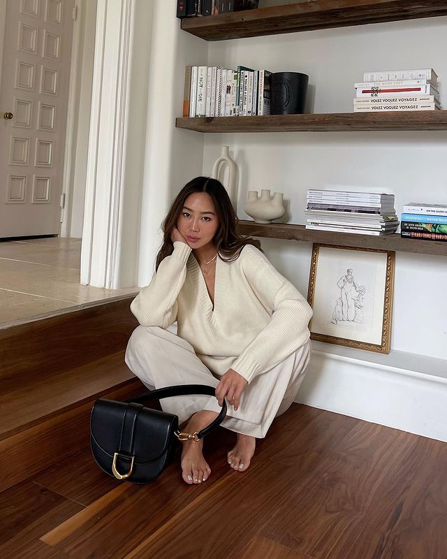 Affordable Handbag Brands: @aimeesong with a Charles & Keith bag