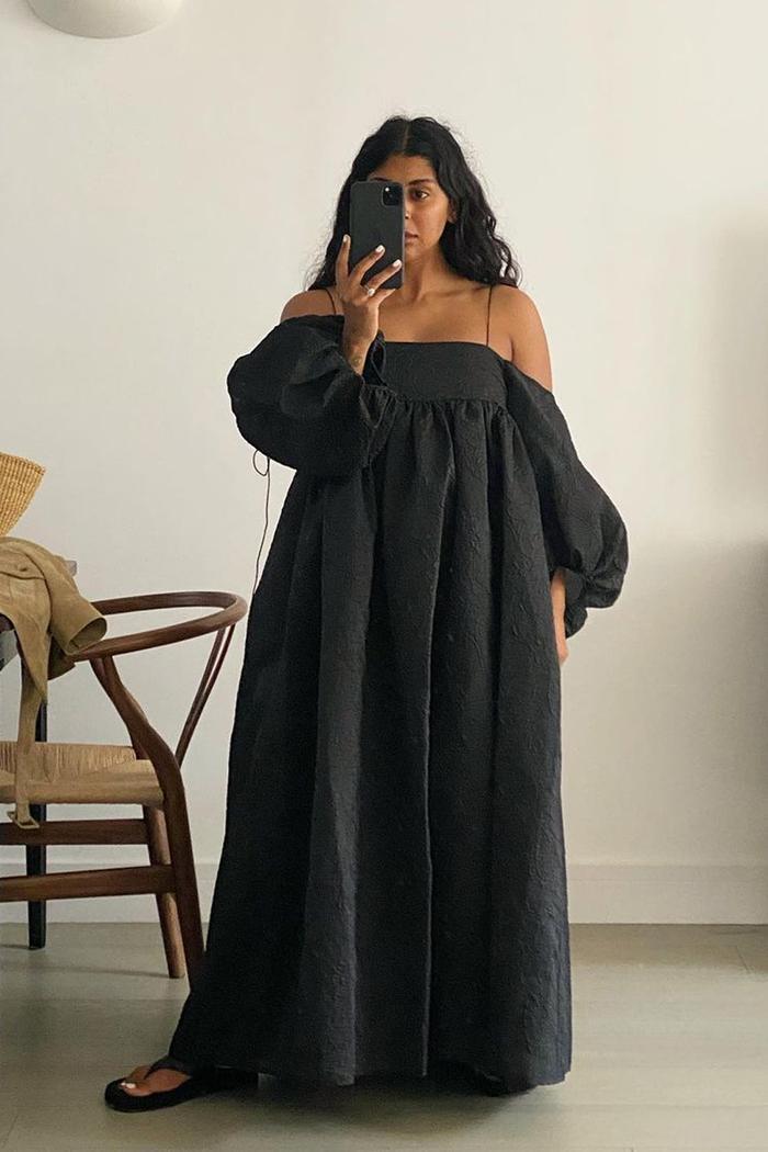 Black summer dresses: Monikh