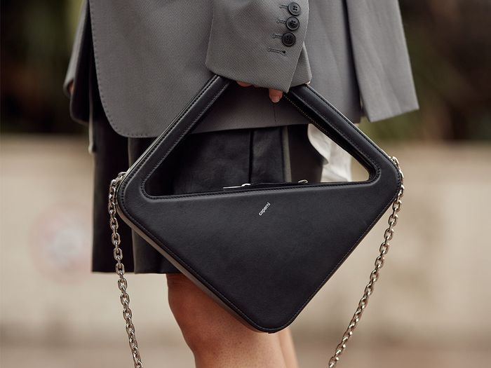 """18 Geometric Purses That Ask """"Why Be Simple, When You Can Be Stunning?"""""""