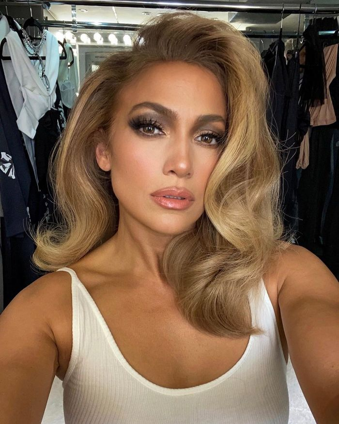 Best Blow Dry Brushes: J.Lo
