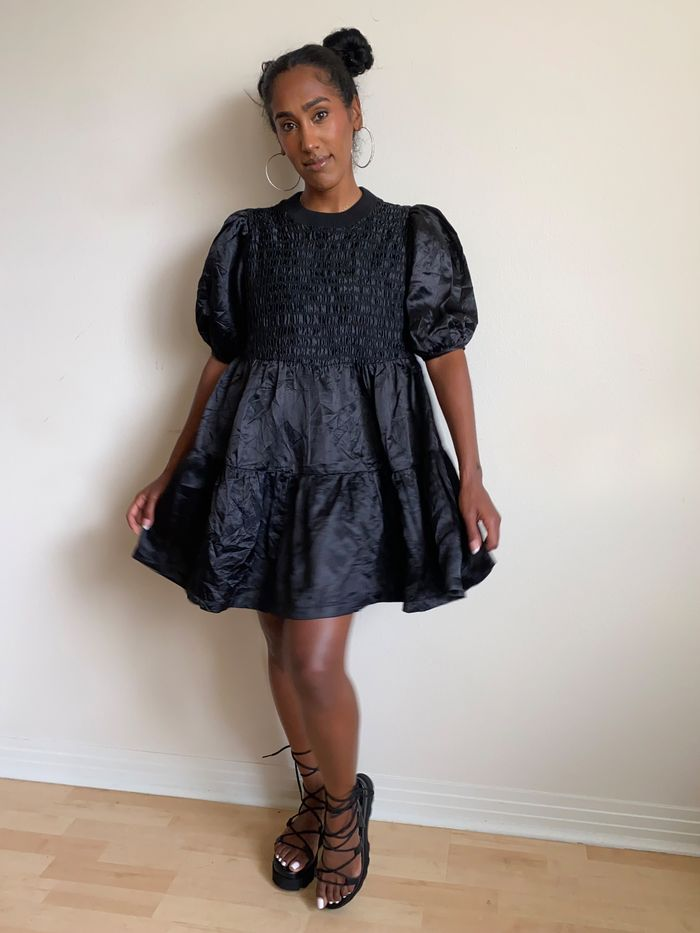 2021 loose clothing trend: flowy dresses