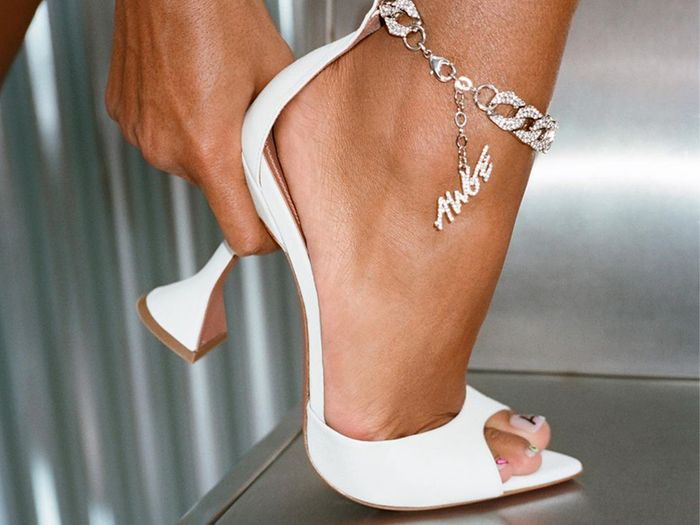 I Know You're a Fashion Girl If You're Wearing These 10 Trendy Shoe Brands