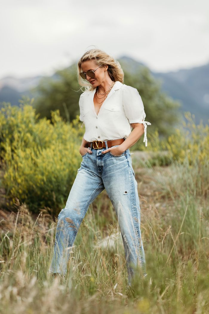 How to wear loose jeans