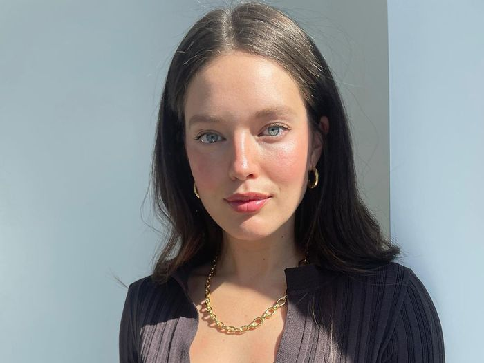 Model Emily DiDonato Shares Her Go-To Pregnancy-Safe Morning Skincare Routine