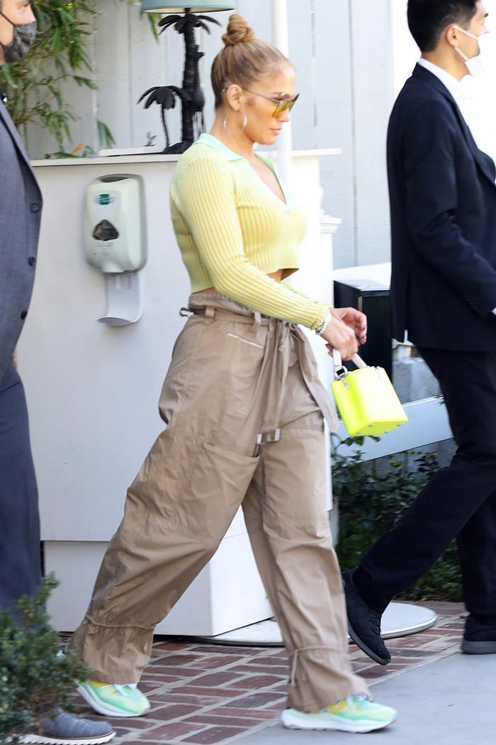 J.Lo crop top outfit