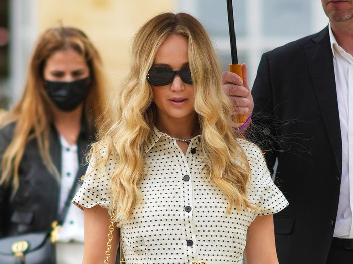 Jennifer Lawrence Just Proved That This Major Logo Trend Is Still Cool