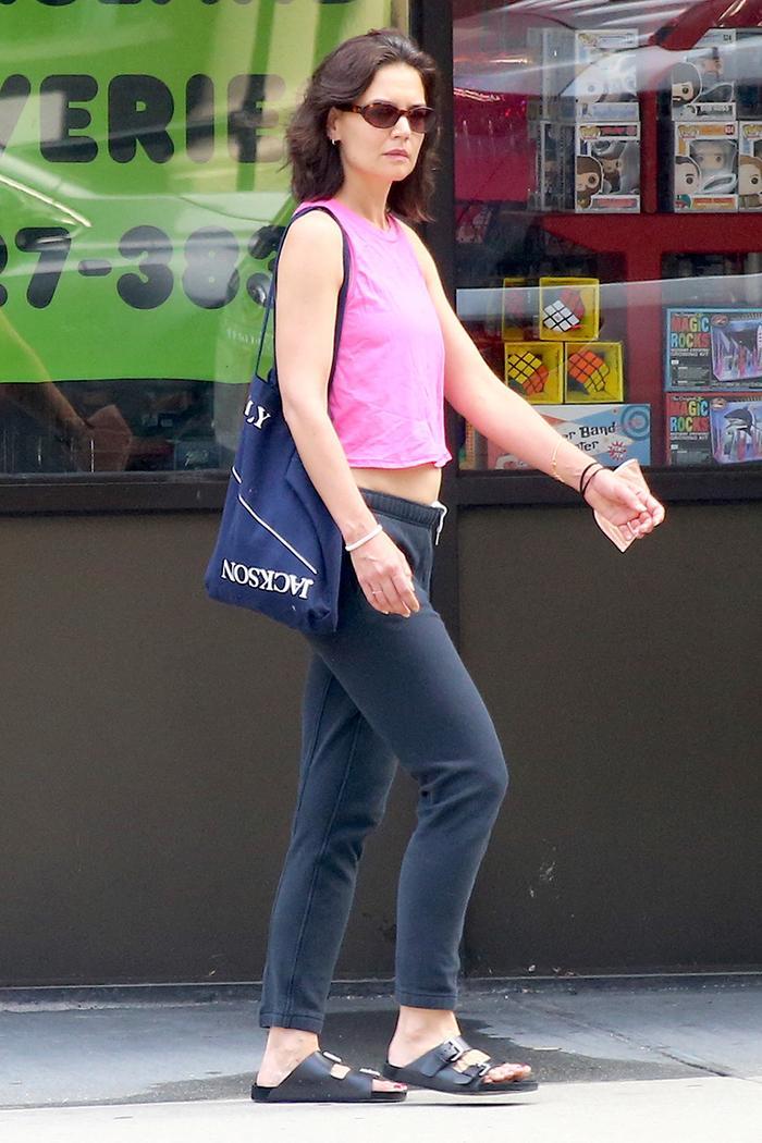 Katie Holmes low-rise sweatpants