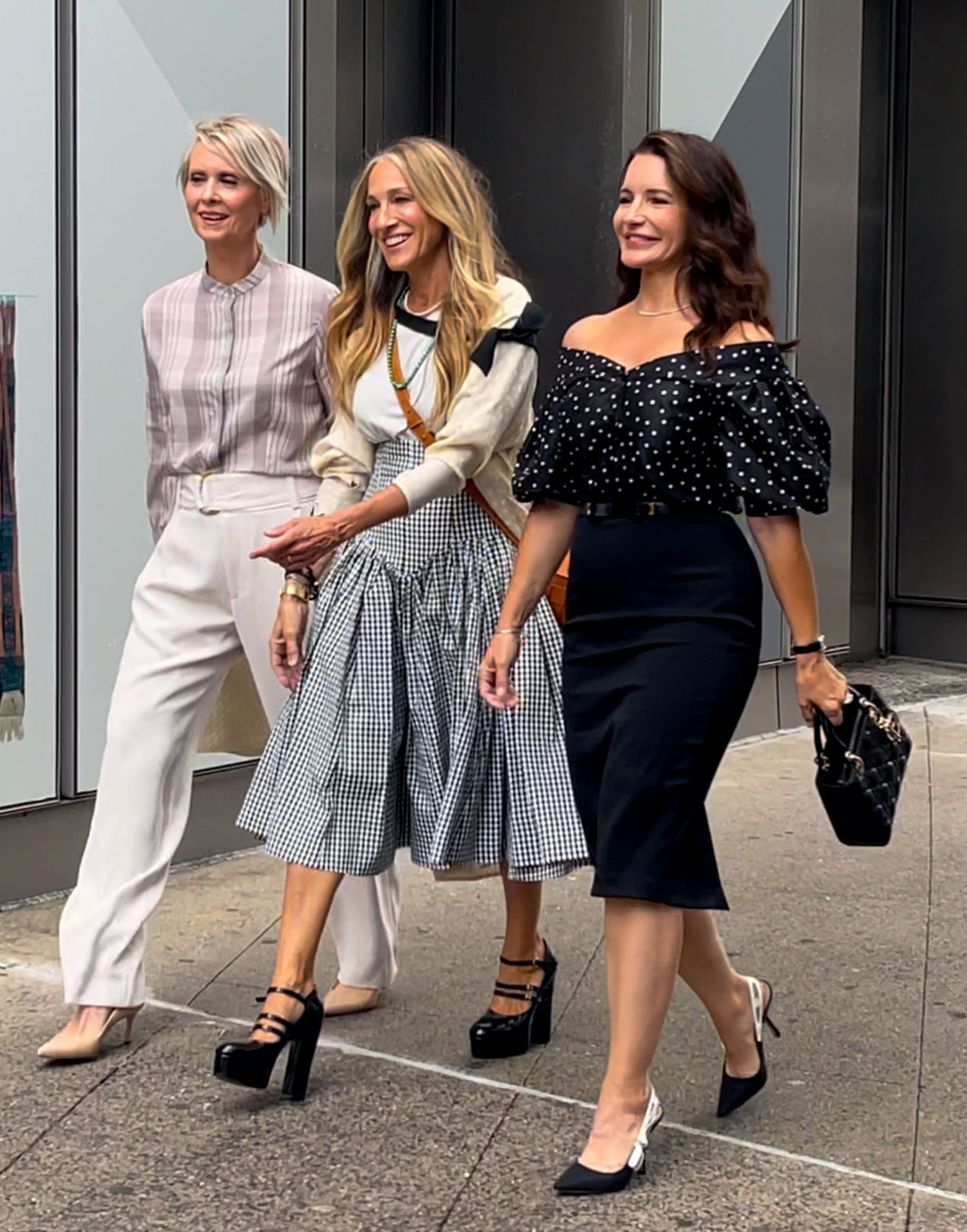 The SATC Reboot Is Officially Filming, and Carrie's Trends Are Rolling In