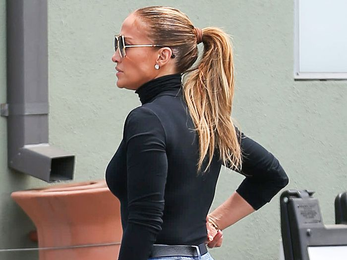Jennifer Lopez Is Already Wearing This Classic Fall Skinny-Jean Outfit