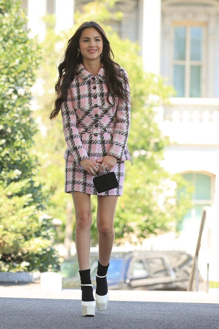 Olivia Rodrigo wore a skirt suit and platform heels to the White House