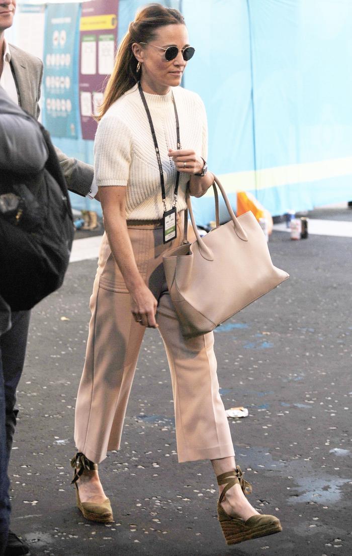 Kate Middleton, Pippa Middleton, and Carole Middleton family fashion outfits