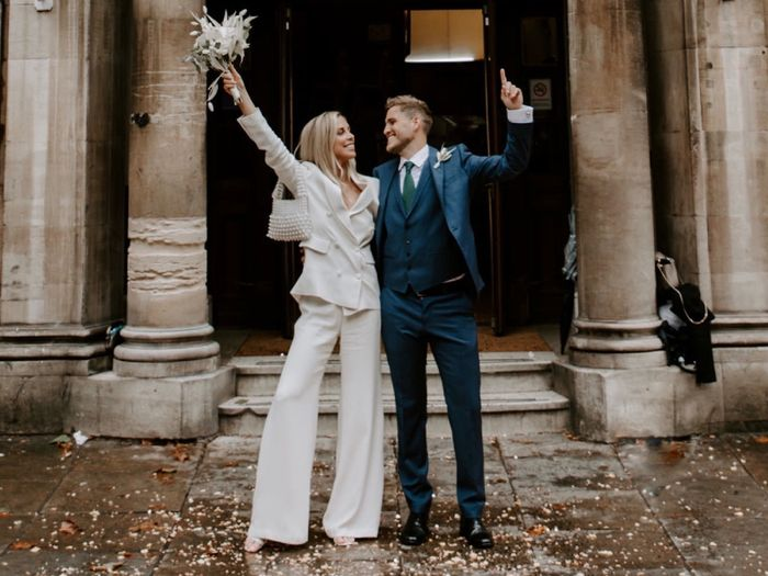 How to Wear a Designer Wedding Dress and Save Money