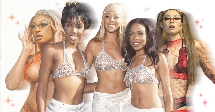It's Only a Matter of Time Before This Y2K Swimsuit Trend Takes Over the Summer