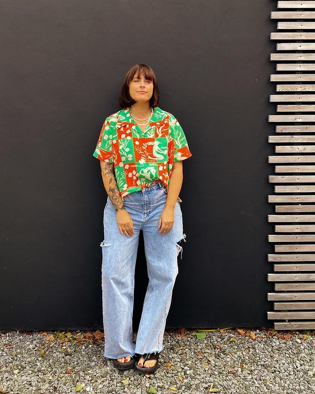 Fashion Trends at Every Age: @annacascarina wears a printed shirt