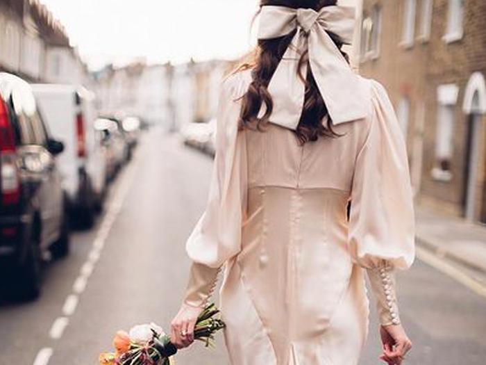 21 Magical Wedding Dresses Made for Autumn Brides