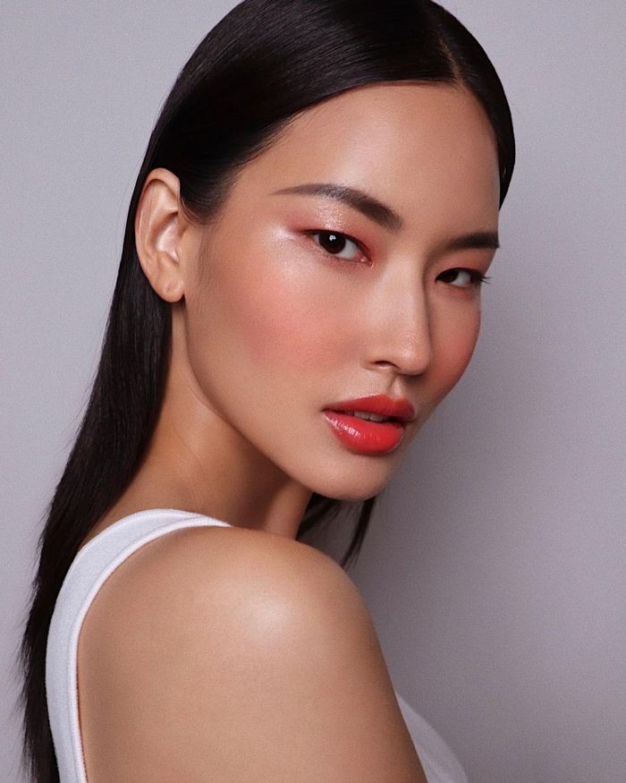Peach lipsticks