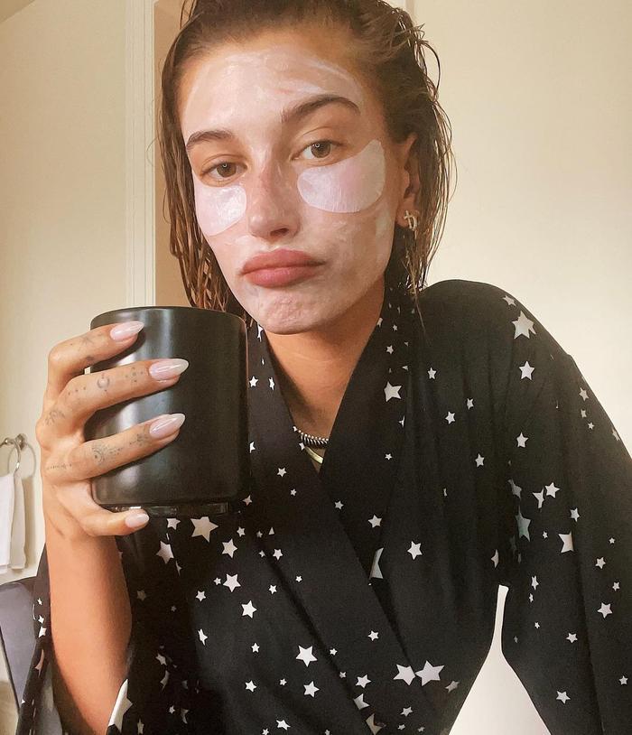 Hailey Baldwin coffee