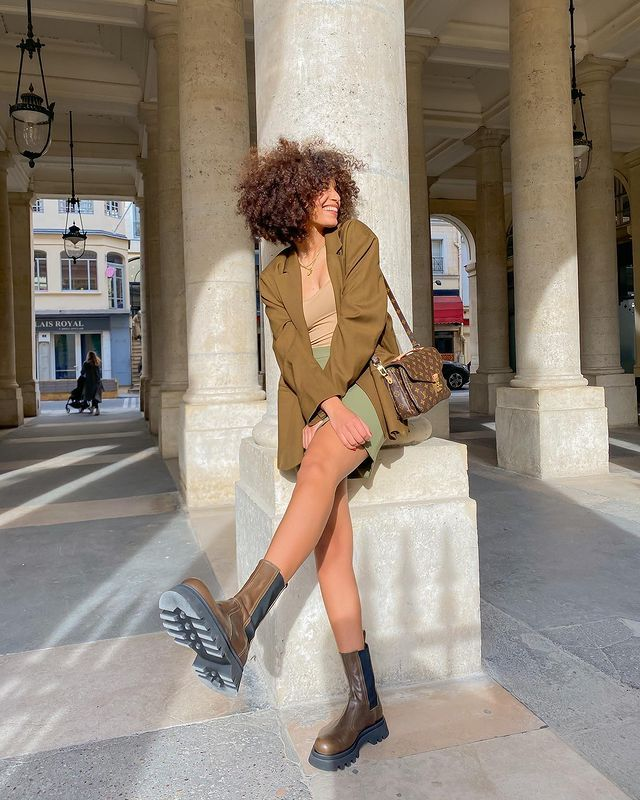 High Street Boot Trends: @syanalaniyan wears a pair of chunky track sole boots