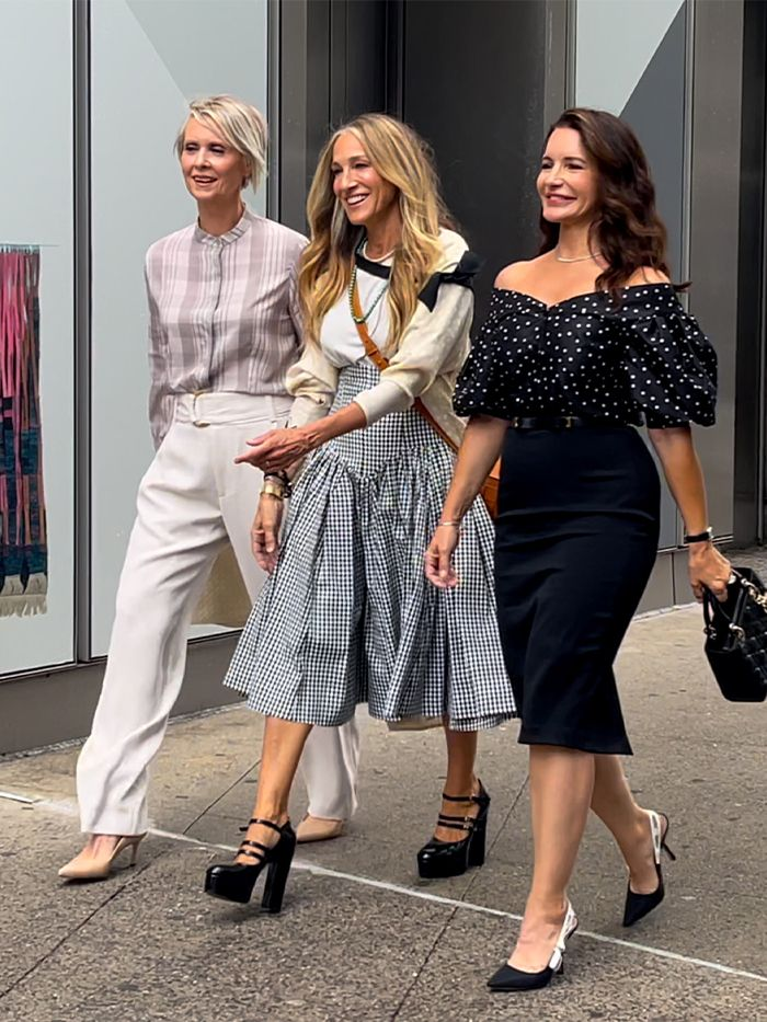Carrie Bradshaw: Outfit Rewearing
