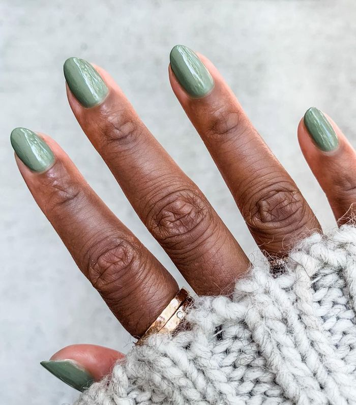Fall nail trends: shades of moss