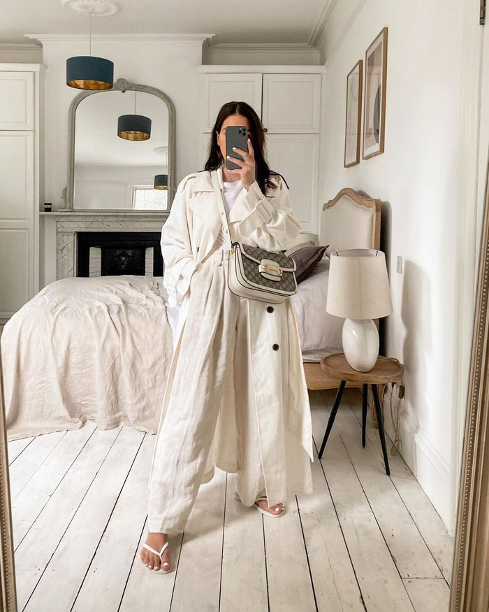 Stylish bedroom ideas: beige and neutral calming bedroom