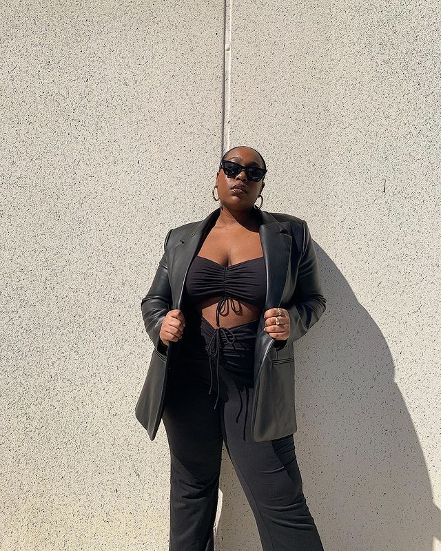 Best Autumn Jackets: @aniyahmorinia wears a leather blazer