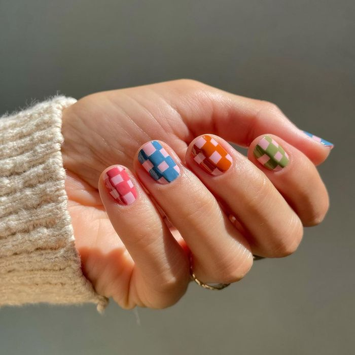 Autumn nail designs: @betina_goldstein