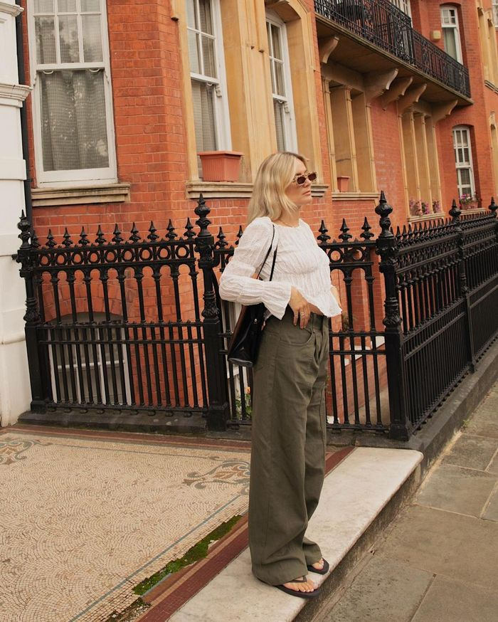 weekday rail mid loose straight jeans: lucy williams