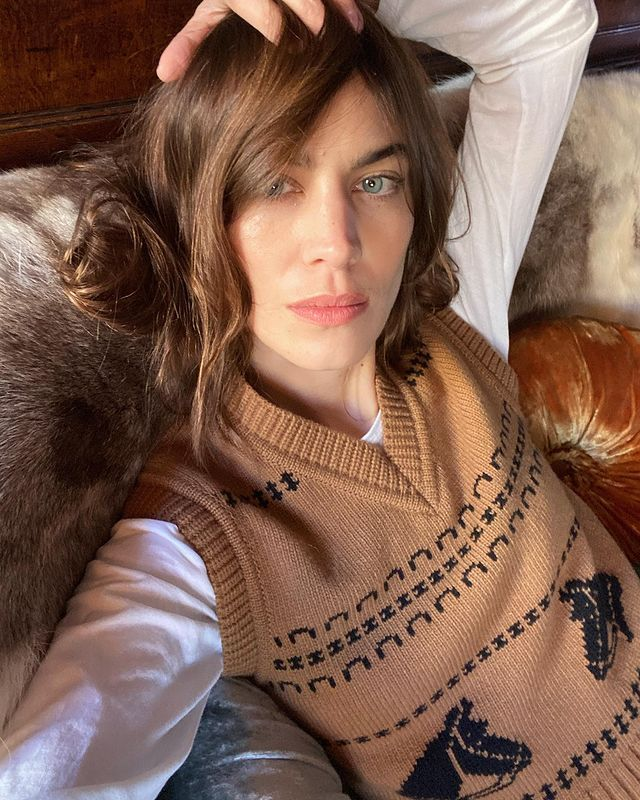 Knitted Vest Trend: @alexachung