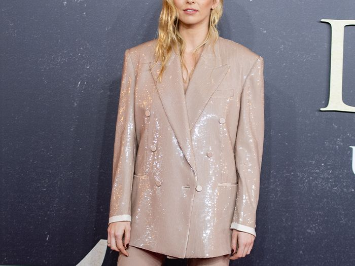 The Anti–Naked-Dress Trend Stylish Celebs Are Embracing on the Red Carpet