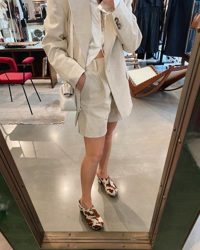 fall fashion trends: clogs