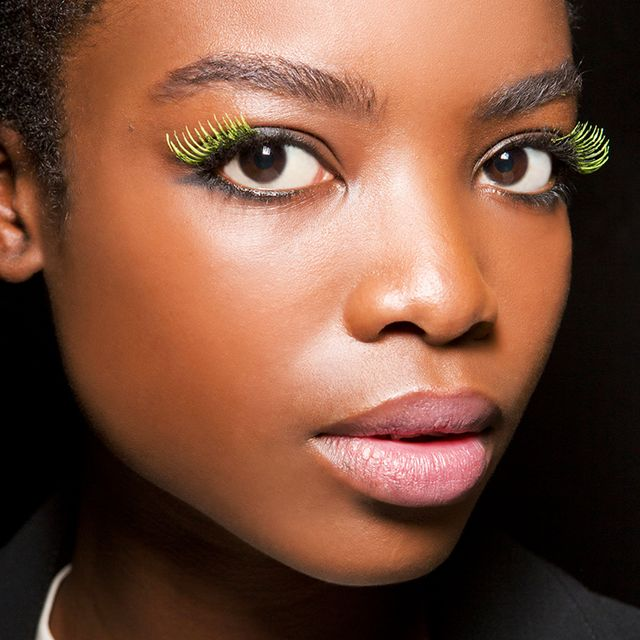 Your Step-by-Step Guide for How to Apply False Eyelashes Like a Pro