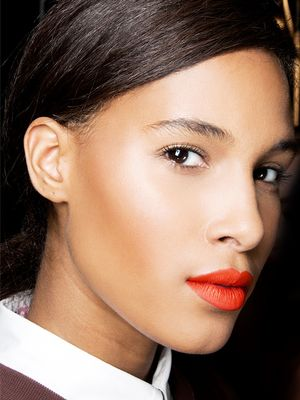 5 Expert Hacks That Instantly Help Drugstore Makeup Look Expensive