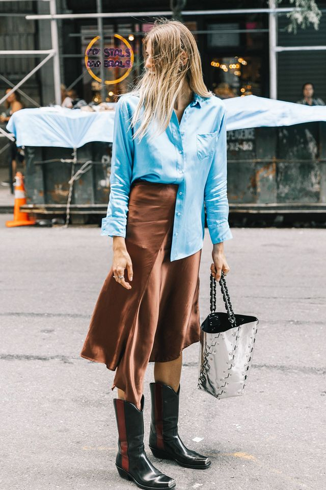 Create a cool, deliberately undone look with the half tuck. A favorite among the street style set, you'll create an effortlessly chic vibe by tucking in just one half of your button-down...