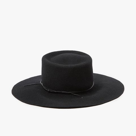 Reinette in Black