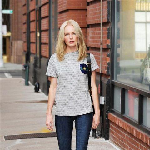 Kate Bosworth wears skinny jeans and slip-on sneakers.